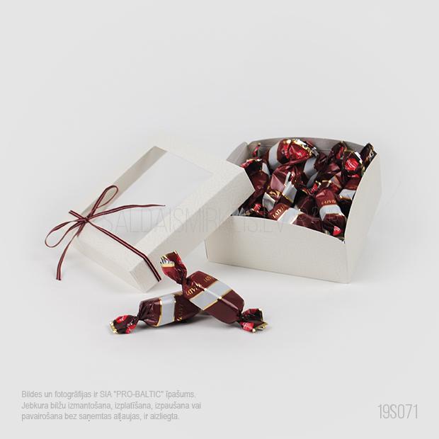 Konfektes Latvija 275g dāvanu kastītē